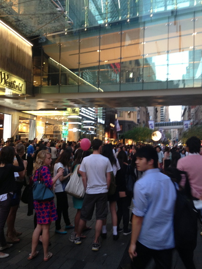 vogue fashion night out, vogue fashion night, vogue fashion, vogue fashion night out 2014